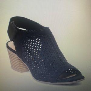 Sonoma ortholite black sandals NWT